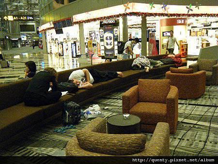 T3睡得很舒適的旅客