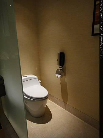 金沙房內廁所