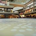 Shopping Mall 溜冰場 & 美食廣場