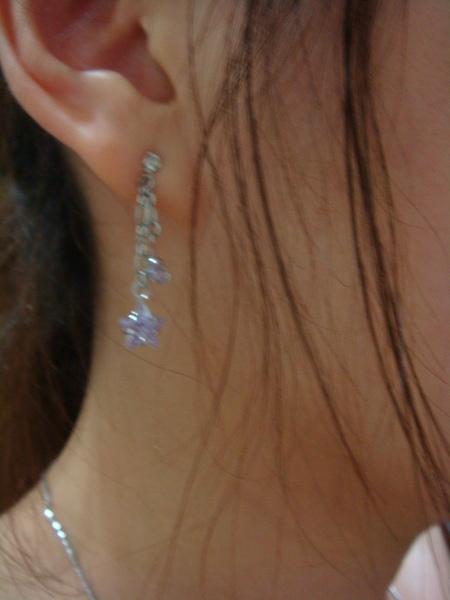 非常漂亮的紫色earrings!超喜歡!>///<