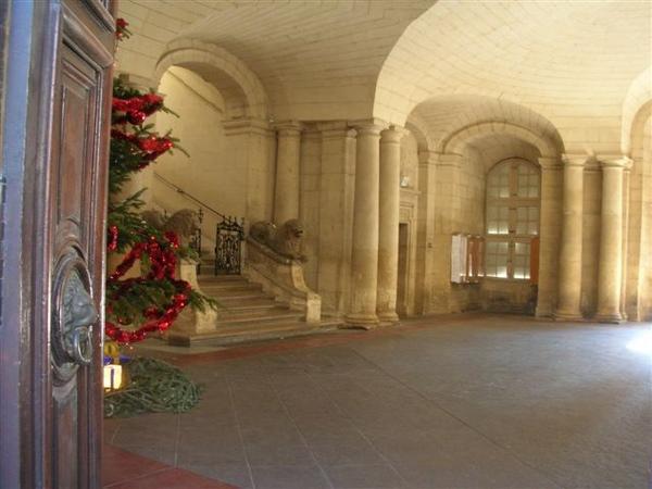 Arles-據說是訪凡爾賽宮建的Hotel de Arles .JPG
