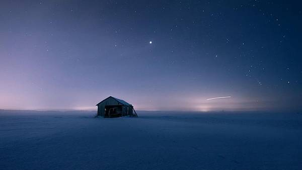 snow-house-quiet-night-the-stars-the-beautiful-scenery-alone