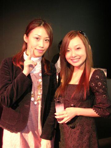 愛紗本人很有氣質,嬌小的大正妹