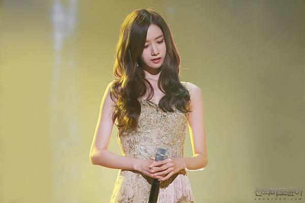 YoonA100