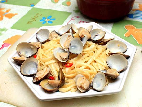 蒜香白酒蛤蜊義大利麵