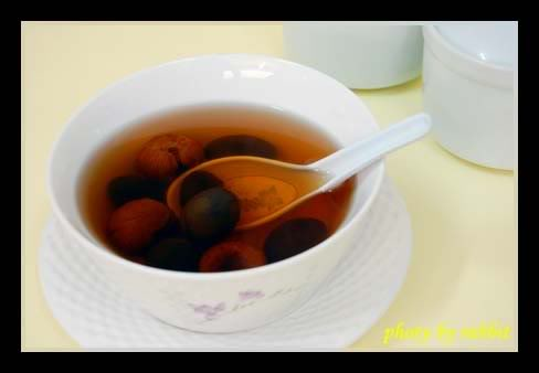 蜜枣炖橄榄