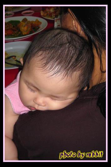 6m1d ~ 看我睡在哪个阿姨的肩膀?