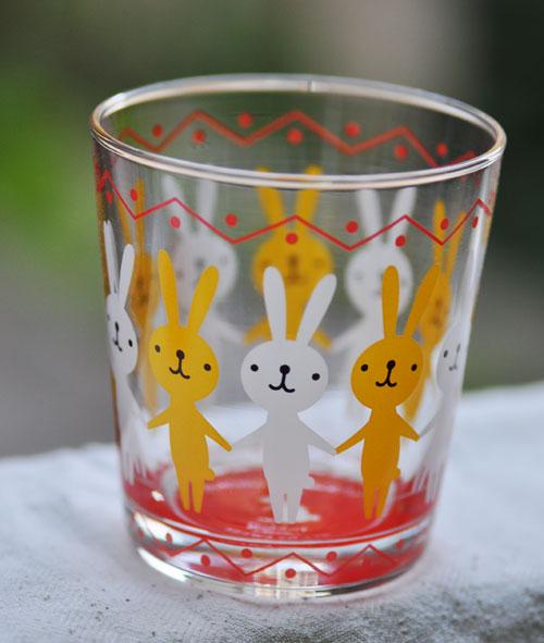兔兔拉拉手杯.jpg