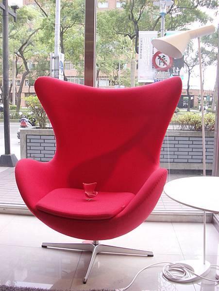 真假設計師椅比一比(2008-3-16)-4.jpg