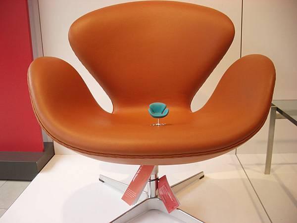 真假設計師椅比一比(2008-3-16)-6.jpg