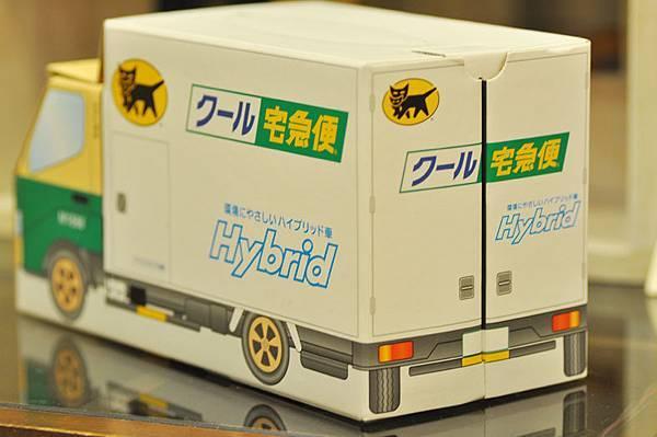 黑貓禮盒車3.jpg