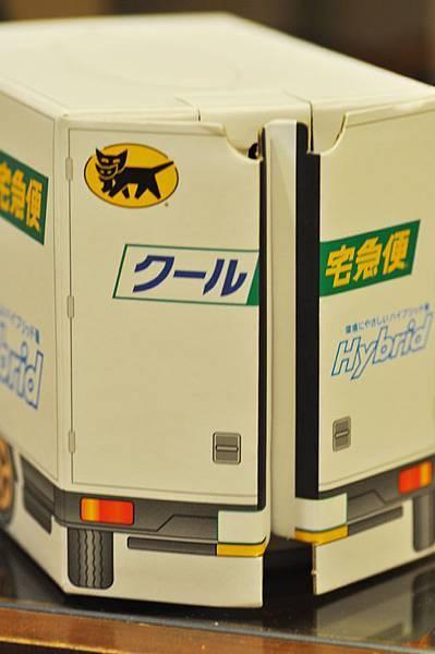 黑貓禮盒車4.jpg