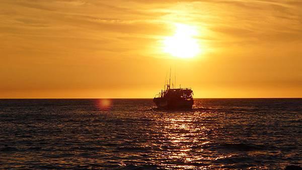 富基漁港海邊日落
