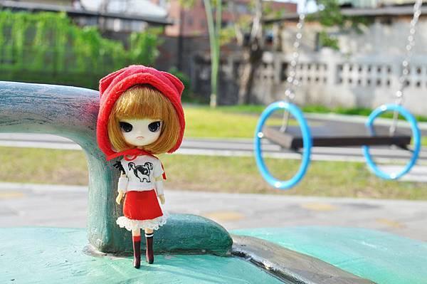 小紅帽在幾米公園2.jpg