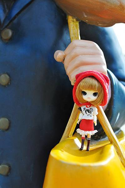 小紅帽在幾米公園4.jpg