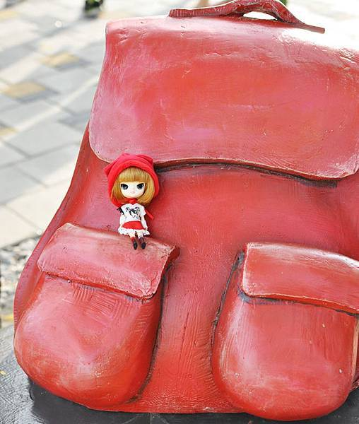 小紅帽在幾米公園5.jpg