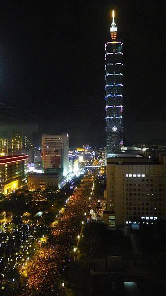 20131231倒數人潮.jpg