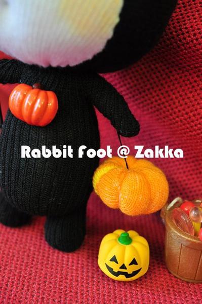 Halloween-rabbit.jpg