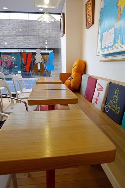 Friendly Cafe-3.jpg