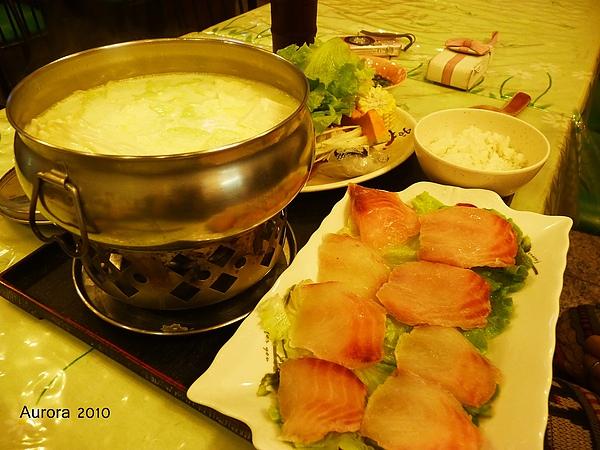御園牛奶、蕃茄鍋