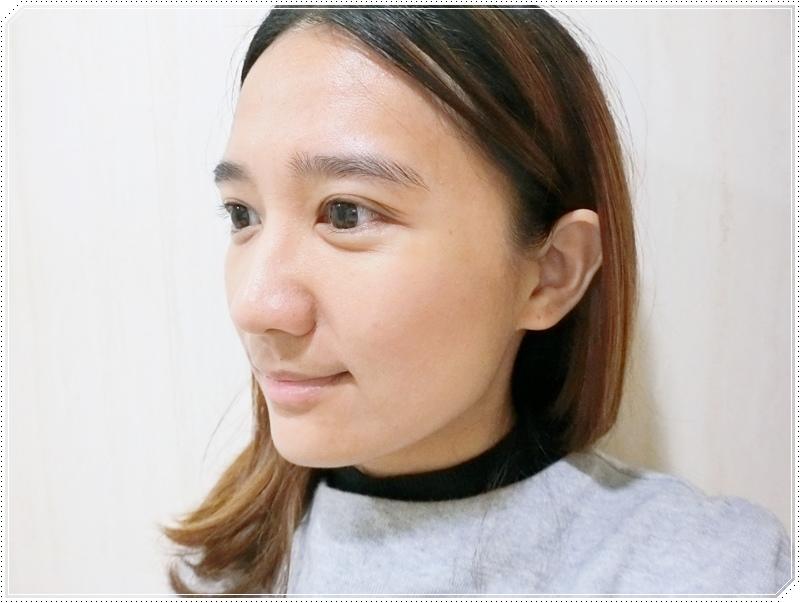 MKUP 獨角獸雪絨花無瑕粉餅 2.JPG