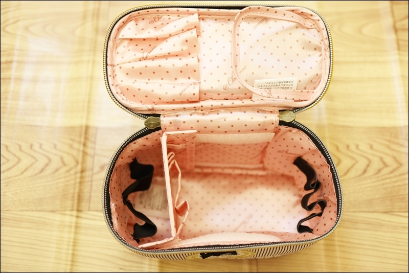 日本AT First直立式化妝包4.JPG