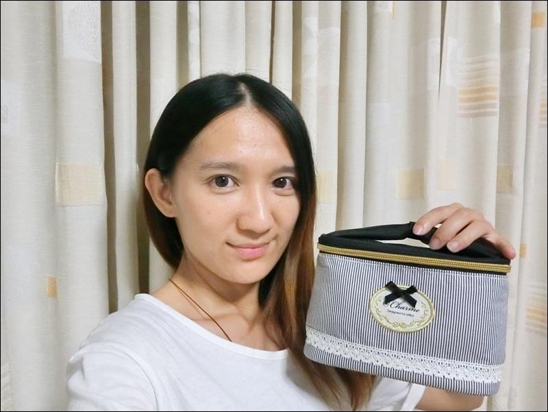 日本AT First直立式化妝包9.JPG