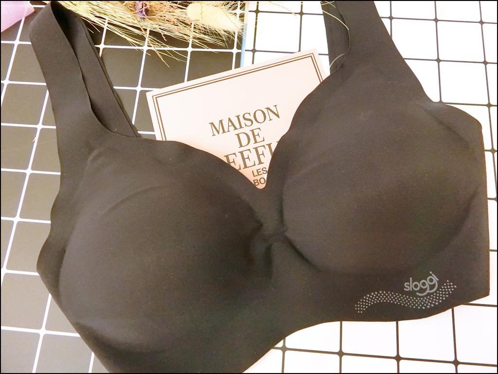 零感系列V領內衣1.JPG