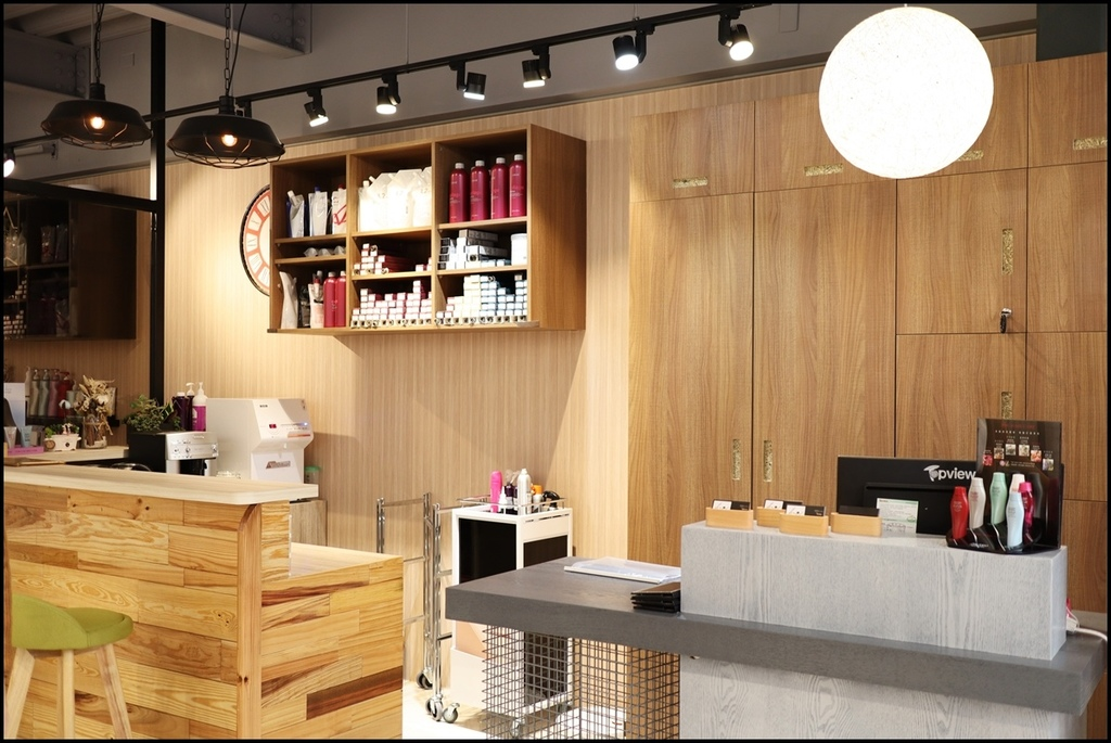 MUMU Hair salon1.JPG