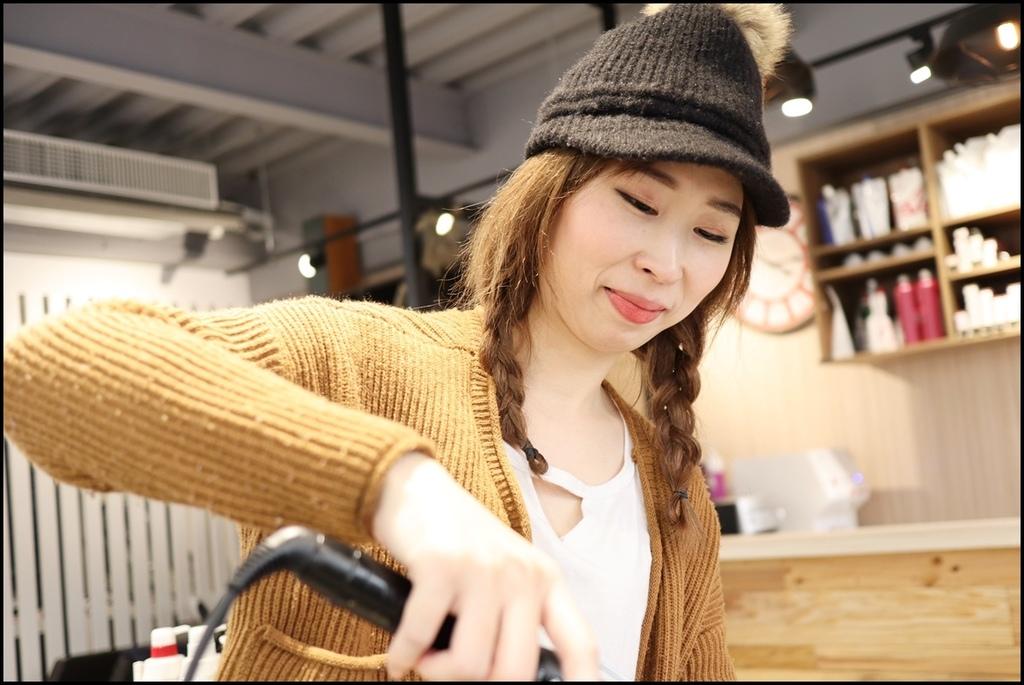 MUMU Hair salon30.JPG