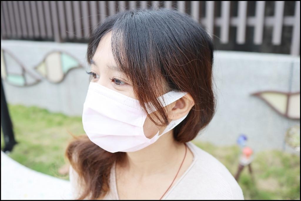 康乃馨PM2.5 Z摺口罩14.JPG