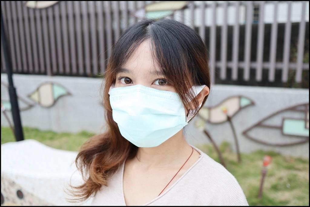康乃馨PM2.5 Z摺口罩18.JPG