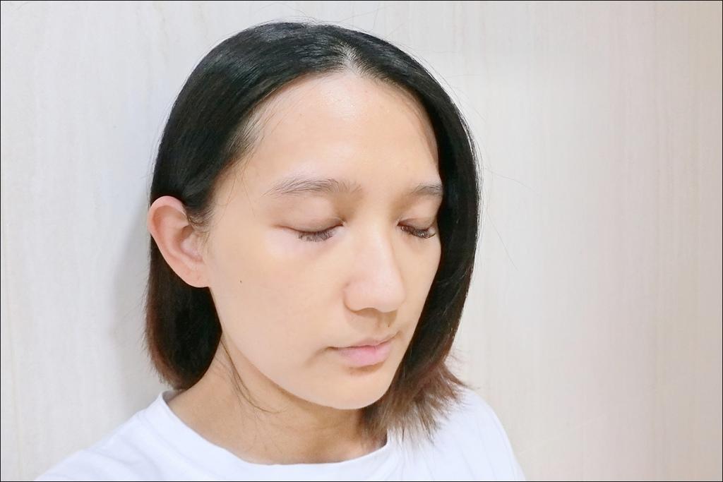 PAUL %26; JOE - 小香檳 糖瓷絲潤隔離乳2.JPG