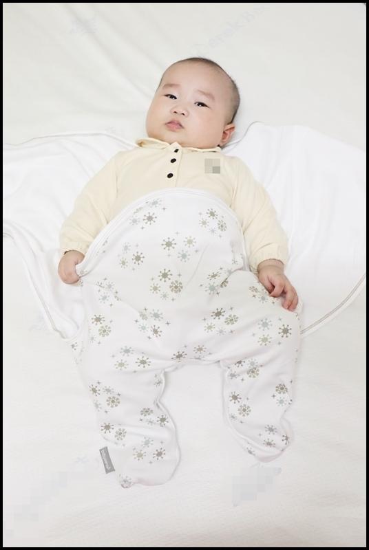 BabySense體感寶貝 車用舒眠包巾5.JPG