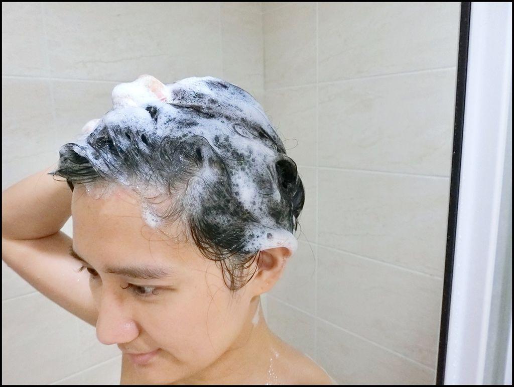 rillR 川 頭皮控油淨化草本洗髮精12.JPG