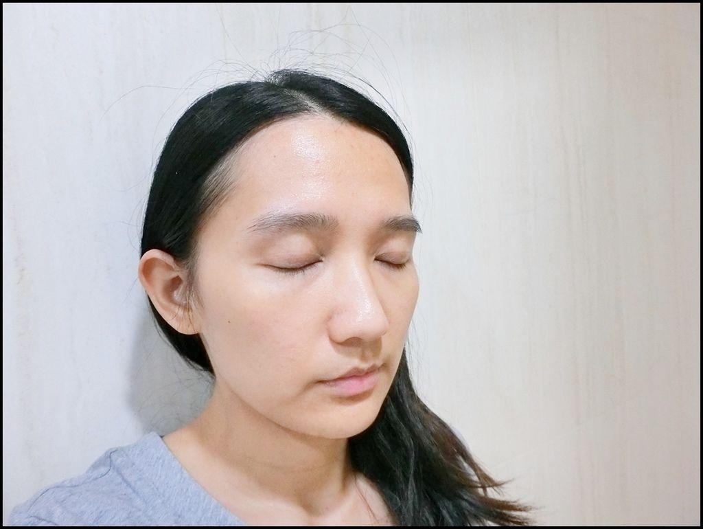 Kiehl's牛奶淨膚濃縮活膚露18.JPG