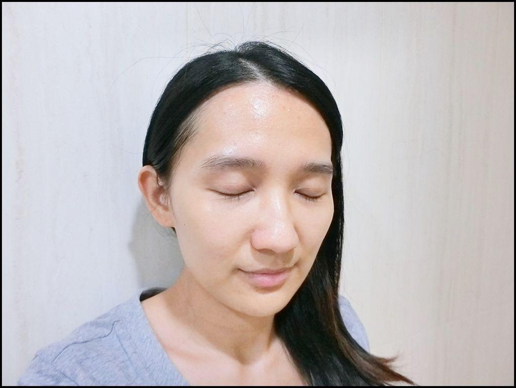Kiehl's牛奶淨膚濃縮活膚露40.JPG