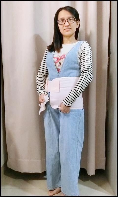 Combi蕾絲產後束腹帶14-1.JPG