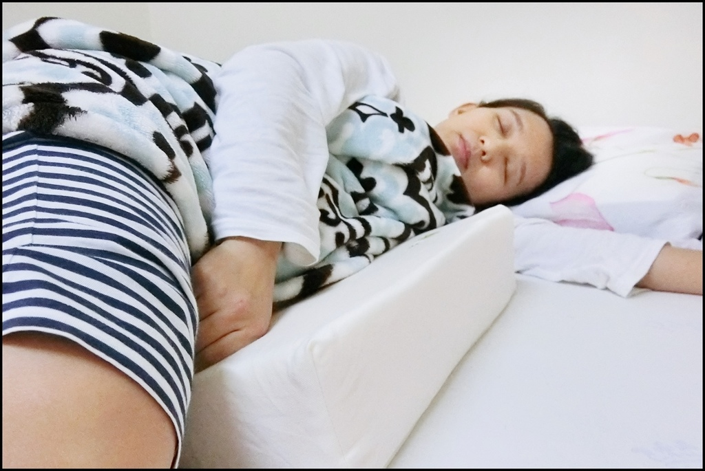 VE孕婦側睡托腹枕7.JPG