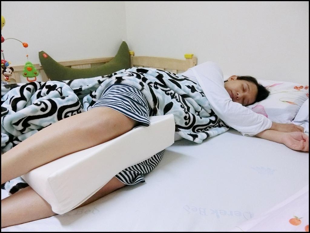 VE孕婦側睡托腹枕10.JPG