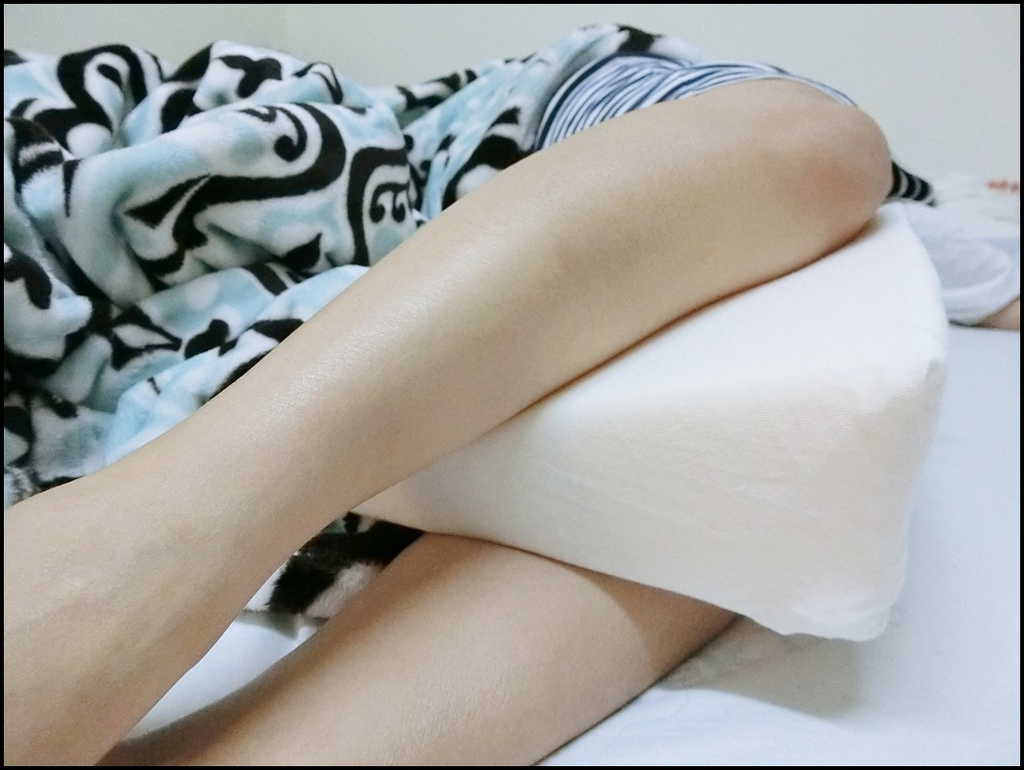 VE孕婦側睡托腹枕11.JPG