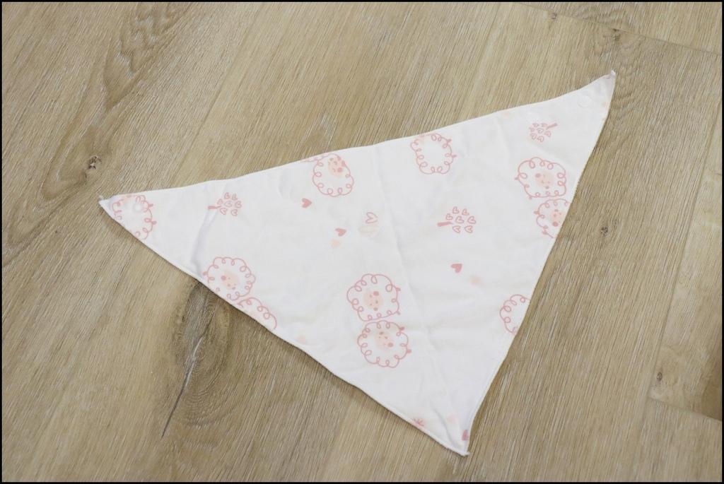 Cedar頂級舒棉包巾%26;兜兜禮盒15.JPG