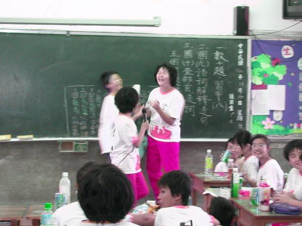 http://f8.wretch.yimg.com/rachel0117r/13/1922073289.jpg