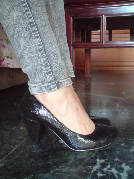 超質感黑色牛皮高跟包鞋-實穿照2