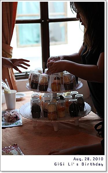米阿姨要包辦李家二位小姐的蛋糕一輩子了!!!