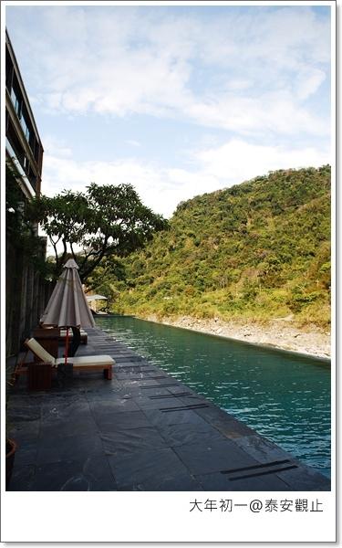 可以跟涵碧樓媲美的無邊際泳池