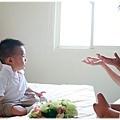 新郎跟新娘的手都伸超長 繼續跟少爺商量