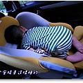 安全座椅午睡中