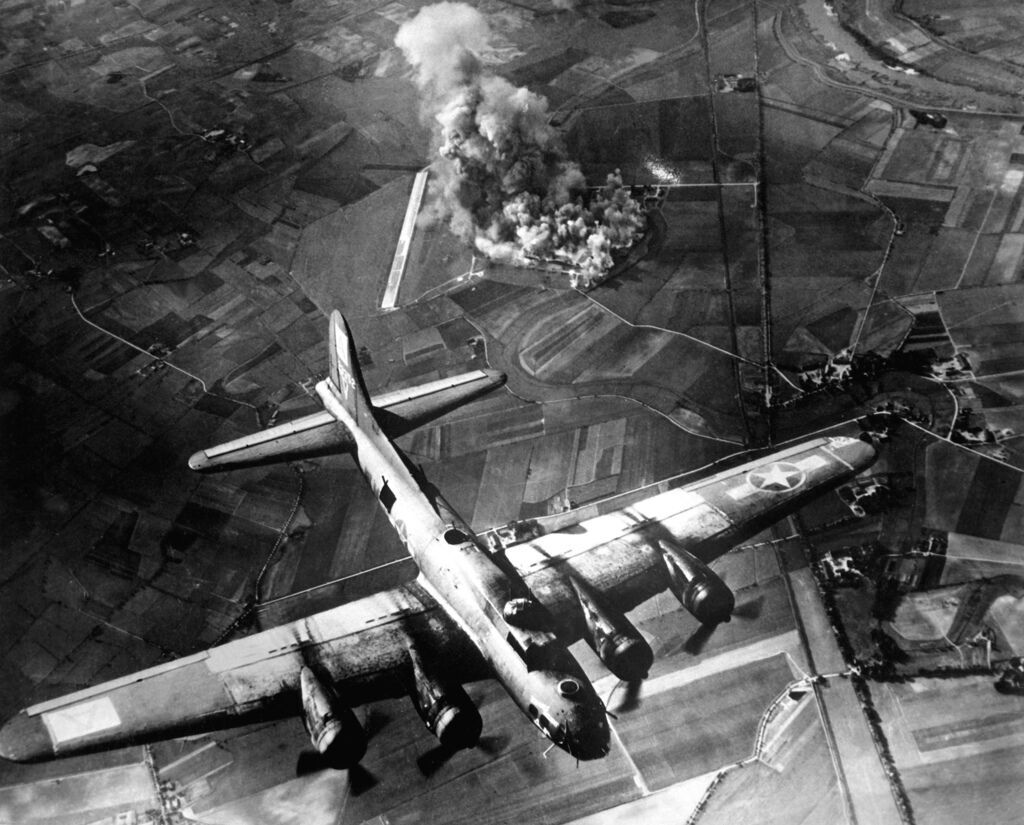 8th_AF_Bombing_Marienburg
