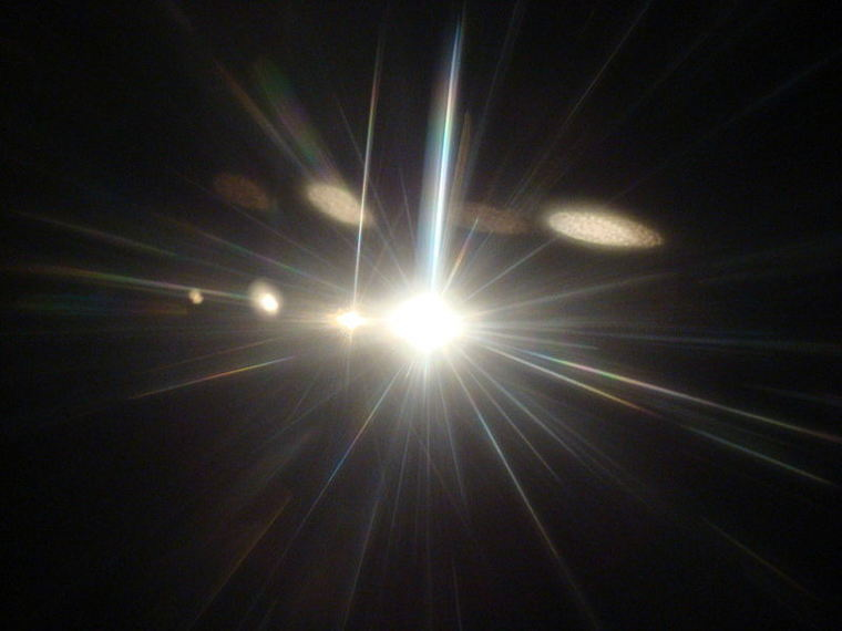 Speed-of-Light-May-Have-Varied-in-the-Early-Universe-2